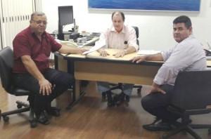 Prefeito Ricardo, secretário de Estado Marcelo Miglioli e o president do Legislativo de Itaquiraí Edilson Pereira, durante audiência ontem em CG