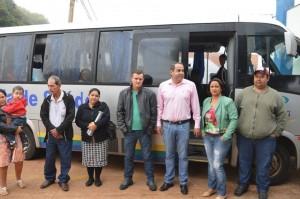 16-05 - Secretário de Saúde Marcelo Rosa, Diretora de Regulação de Vagas Neire Meire, e alguns dos pacientes que serão atendidos em Curitiba