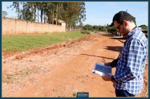 Engenheiro faz levantamento de Vias a serem recuperadas e pavimentadas (1)
