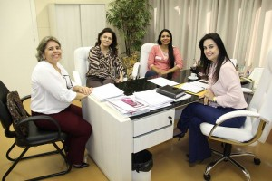 Mara Caseiro também recebeu a Prefeita e a Secretária em Seu Gabinete