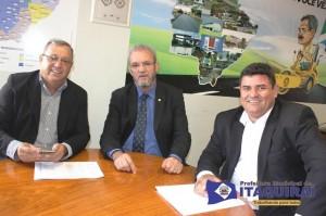 Prefeito Ricardo, deputado Geraldo Resende e o presidente do Legislativo Edilson Pereira