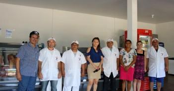 Prefeita Patrícia em visita ao novo comércio que abriu as portas em Iguatemi.