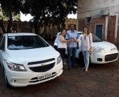 Eldorado- Prefeito Léo e vice-prefeita Fabiana Lorenci entregam veículo zero quilômetro à Secretaria de Saúde