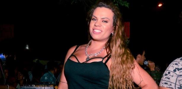 lara-pertille-se-posiciona-contra-transfobicos-nas-redes-sociais-1536886803529_615x300