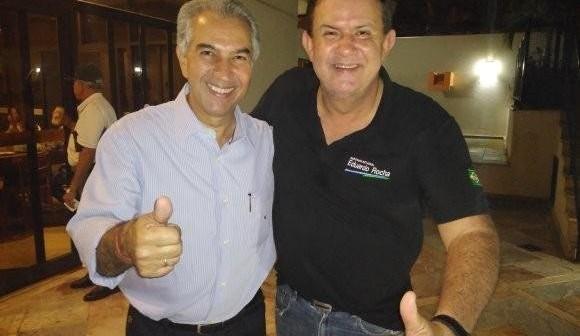 Deputados reeleitos e 9 prefeitos do MDB apoiam Reinaldo Azambuja