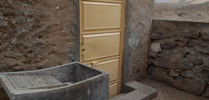 Recém-nascida é encontrada embaixo de tanque de lavar roupas