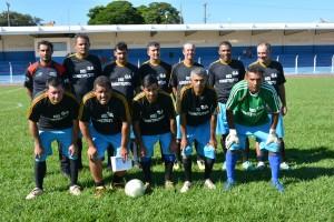 Time do G.A. representa o Assentamento Santo Antônio no Campeonato Regional de Futebol Suíço Máster. Foto: Roney Minella