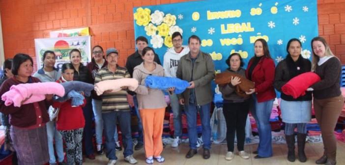 Tacuru: Administração Municipal distribui cobertores