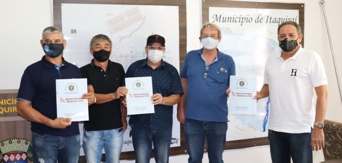 Itaquiraí- Prefeito Ricardo faz a doação de mais três áreas em incentivo ao desenvolvimento