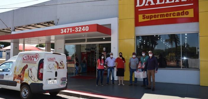Iguatemi- Produtores do assentamento Colorado realizaram entrega de frangos nos mercados do município